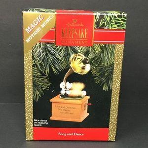 1990 Hallmark KS Ornamotion Christmas Ornament